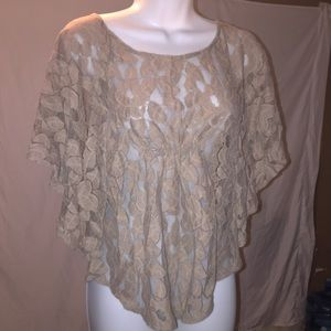 Lacey butterfly top. M